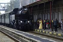 Na trať mezi Chomutovem a Mostem vyjel historický parní vlak