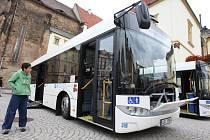 Ilustrační snímek. Nízkopodlažní autobus Solaris Urbino.