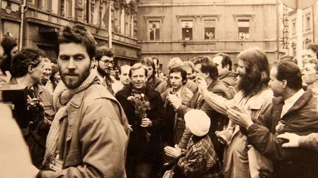 Návštěva Václava Havla v Chomutově v únoru 1990
