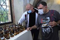 Muži s krásným koníčkem vystavovali ve františkánském klášteru v Kadani.