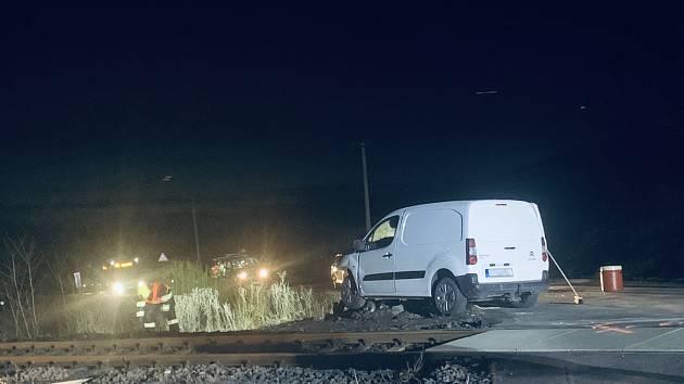 Vlakový provoz na trati meziŽatcem a Podbořany zastavil se zastavil v pátek večer krátce po 17. hodině.