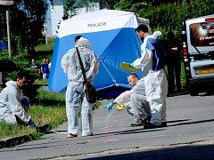 Po střelbě na chomutovském sídlišti zemřel člověk. Reakce veřejnosti jsou často zarážející