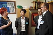 Hosty ze Singapuru zajímala také terapie.