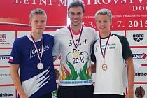 Tomáš Franta (uprostřed) má za cíl vyplavat si olympiádu v Riu 2016.