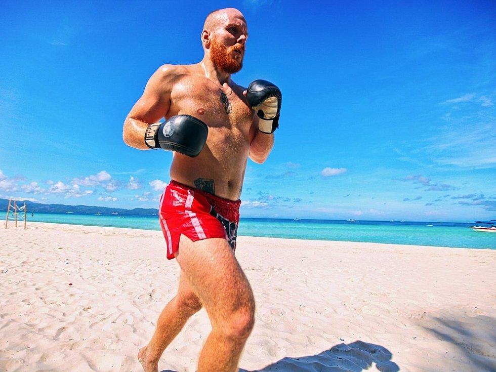 Michal Vostrý svému sportu a životní náplni věnoval i rok v Asii, kde trénoval s mistry tohoto sportu.