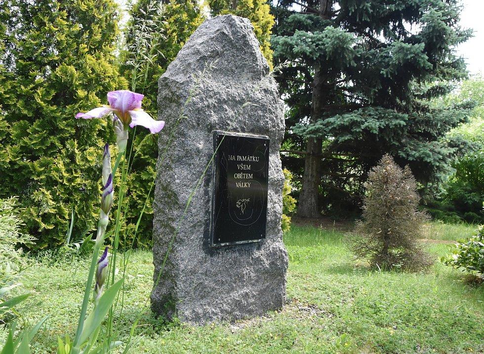 Památník obětem druhé světové války v Pesvicích.