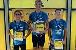 Chomutovští plavci Tomáš Moravec, Jan Valenta a Maxim Dvořák jasně ovládli finále žáků a s přehledem zvítězili.