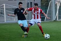 FC Chomutov (v černém) po Souši (na snímku) přehrál v dalším derby i Mostecký fotbalový klub.