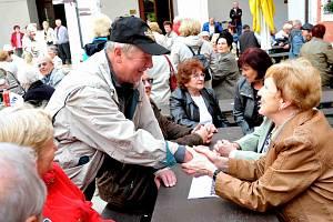 Setkání rodáků na Červeném Hrádku.