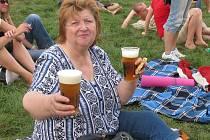 Květoslava Krotilová na hudebním festivalu pod širým nebem. Hudbu měla ráda.