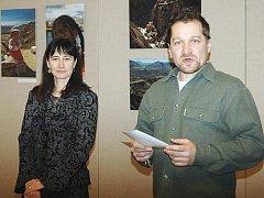 Na snímku Renata Menclová a Roman Křelina kurátor Galerie Lurago.