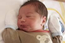 Nikolas Lalik se 13.6. ve 14.38 hodin narodil Tereze Lalikové z Jirkova. Měřil 48 centimetrů a vážil 2,8 kilogramu.