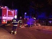 Noční zásah hasičů v ulici Fr. Schmieda v Jirkově