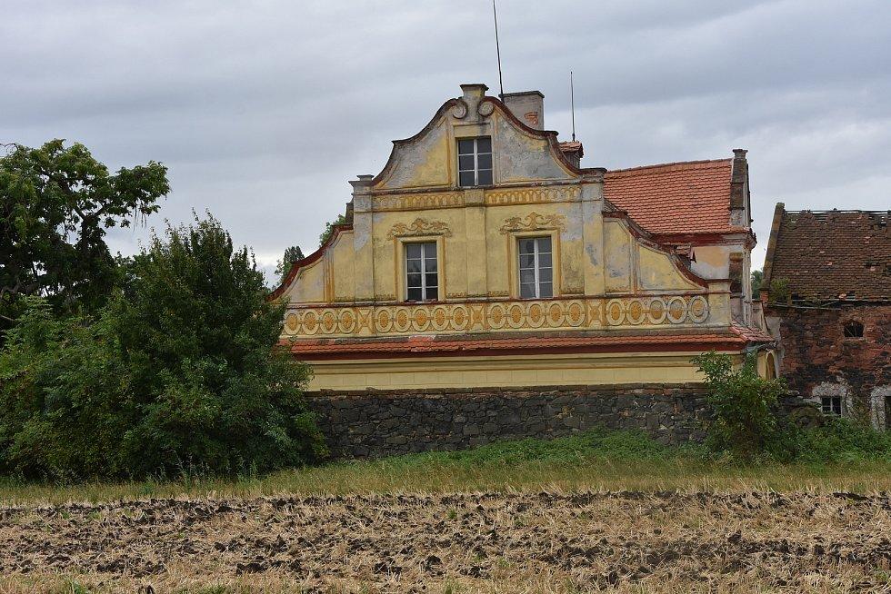 Jeden z domů v Nových Třebčicích, které jsou místní částí Veliké Vsi.