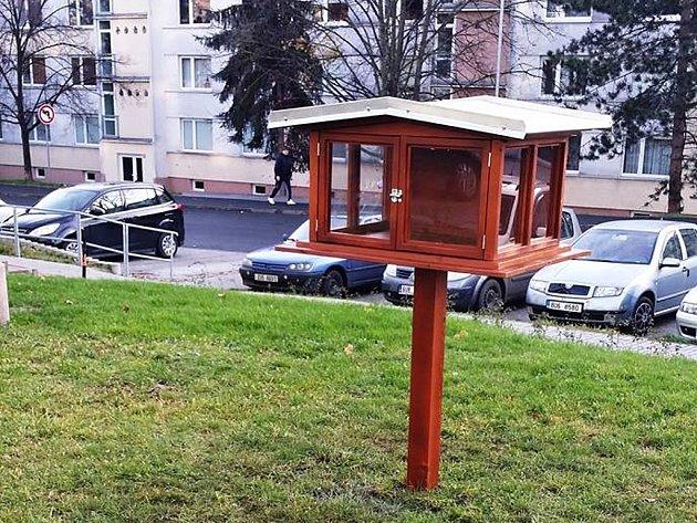 Nová knihobudka na kadaňském sídlišti C