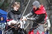 Pohádková bitva pro oči návštěvníků hradu.