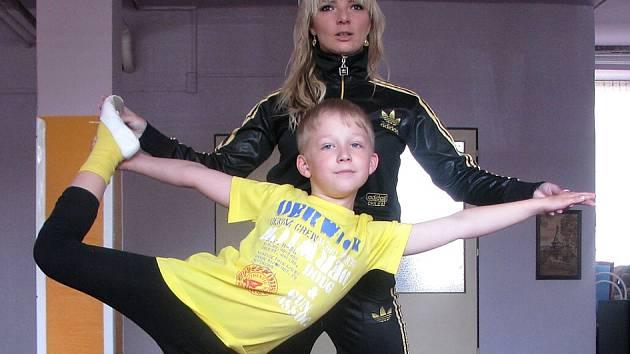 JANA ZELENKOVÁ při tréninku tanečníka Martina Balabána.