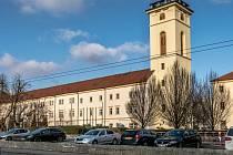 Chomutovské městské muzeum s budovou Hvězdářské věže a budova SKKS, dříve Jezuitského gymnázia