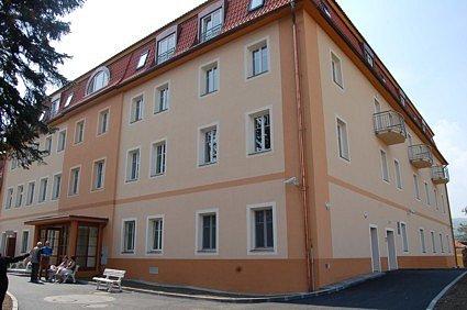 Nová budova kadaňského domova důchodců.