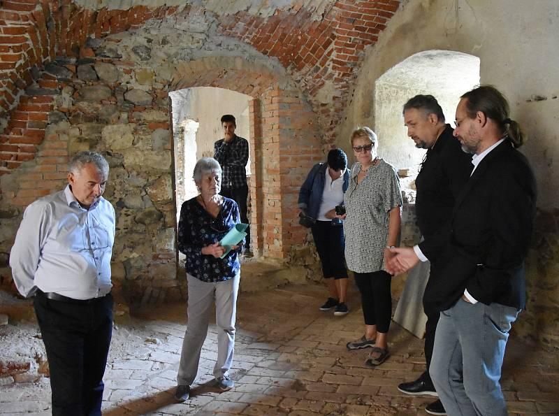 Prohlídka nejcennější gotické části zámku.