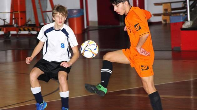 V Městské sportovní hale se hrálo již druhé kolo základní skupiny školní ligy mladších žáků.