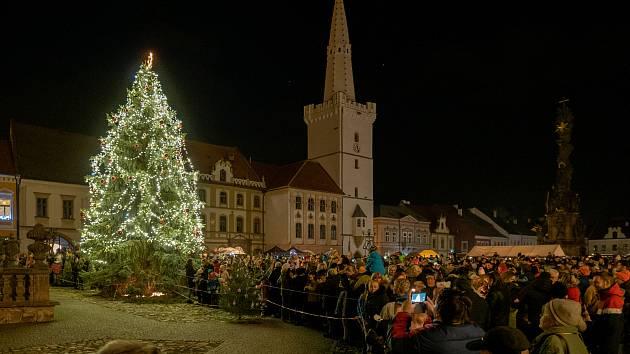 Na Štědrý den proběhne na kadaňském náměstí hostina pro osamělé lidi.