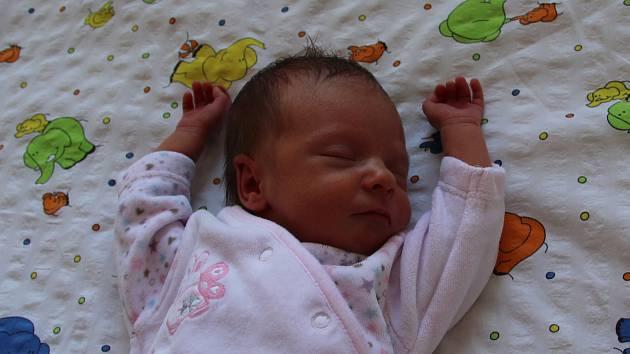 Karolina Kulichová se narodila mamince Evě Kulichové a tatínkovi Radkovi Kulichovi z Vilémova 27.4.2019 ve 23:55 hodin. Měřila 44 cm a vážila 2,18 kg. Životem ji budou provázet sestřičky Kristina (5 let) a Kateřina (11 let).