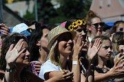 V sobotu 30. června proběhl další ročník  hudebního festivalu Vysmáté léto. Celý den se na pódiích střídaly kapely. Nádherné počasí za hradbami Kadaně přilákalo tisíce lidí. Nechyběla ani svatba.