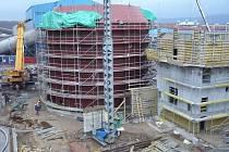 Komplexní obnova Elektrárny Tušimice II – pohled na stavbu budoucí odsiřovací jednotky.