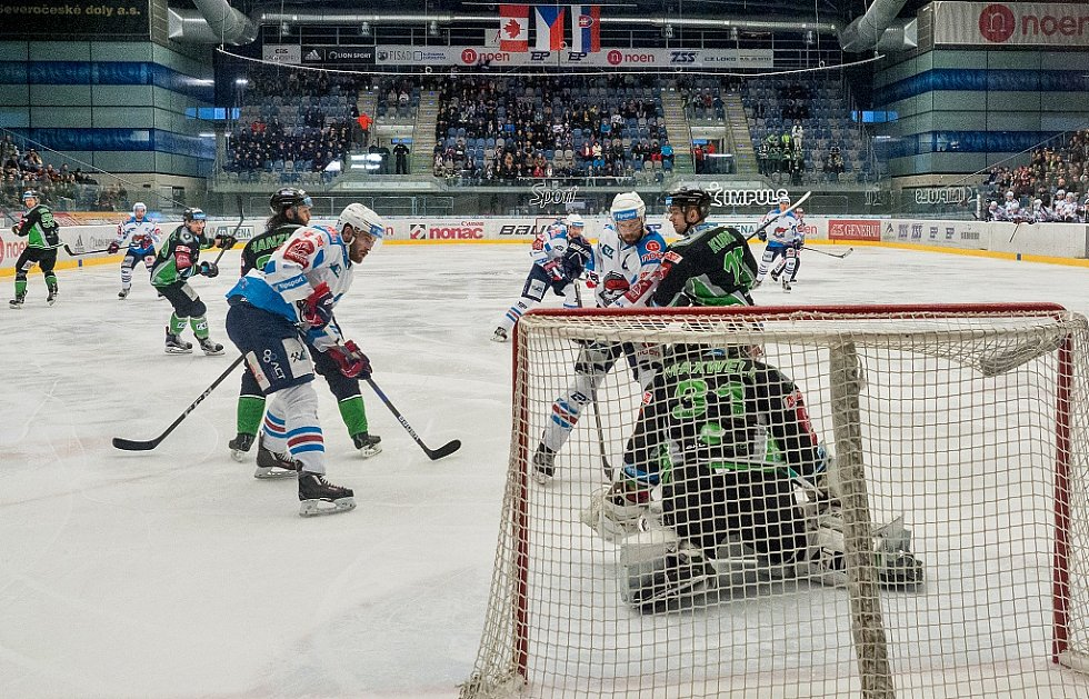 Utkání Chomutova (v bílém) proti Mladé Boleslavi