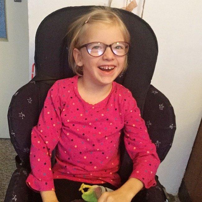 Osmiletá Magdalenka Kerliková má nejtěžší formu dětské obrny a trpí několika dalšími chorobami.