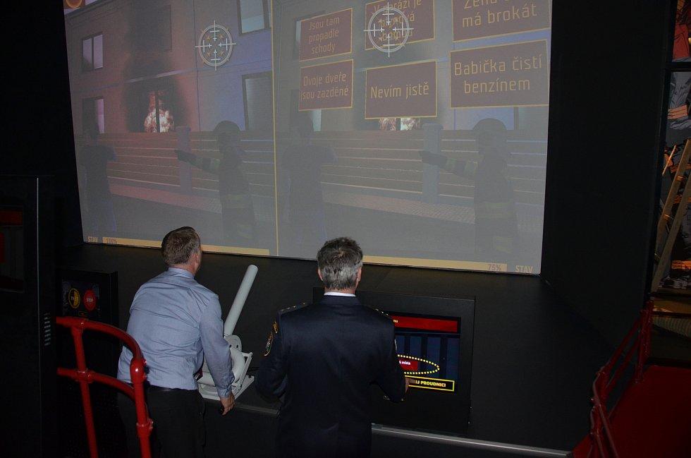 V Jirkově otevřeli nové infocentrum s multimediálním hasičským muzeem.