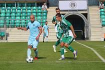 Jediným gólovým střelcem Chomutova byl v Hostouni Patrik Gedeon (na snímku vlevo). Gól padl v 86. minutě a to už bylo na obrat ve vývoji zápasu pozdě.