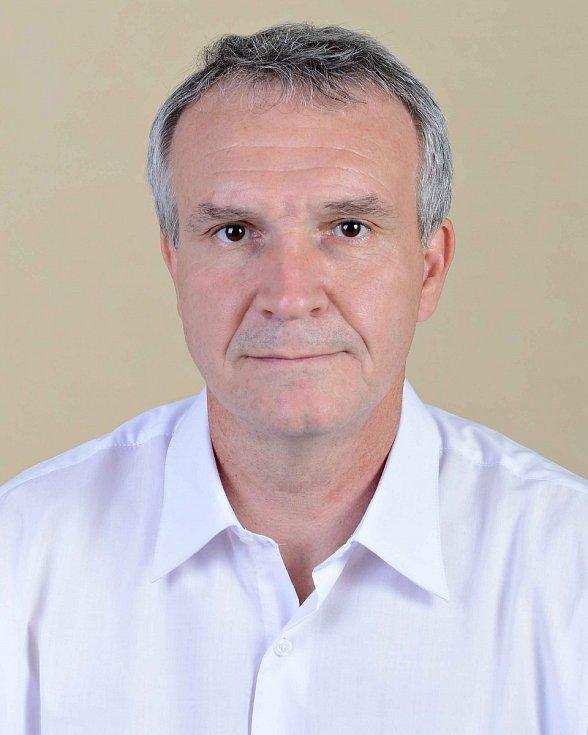Radek Vydržel - ČSSD, 48 let, středoškolský učitel.