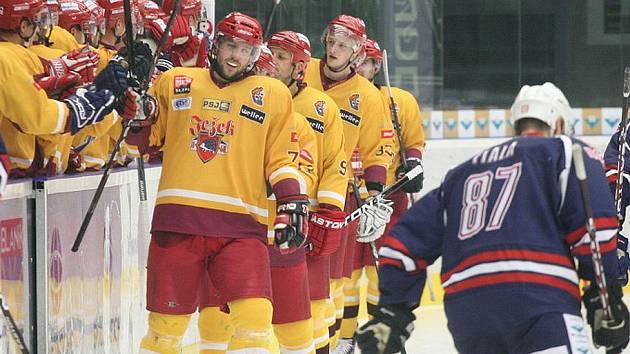 Jihlavští hokejisté odjížděli z Chomutova nadmíru spokojeni.