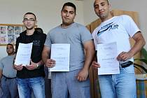 Odsouzení ve Věznici Všehrdy převzali výuční listy