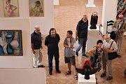 Chomutovské galerie Špejchar hostí obrazy a skulptury více než třiceti autorů