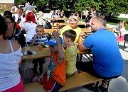 Své chuťové pohárky oblažili návštěvníci Restaurant Day, který se uskutečnil na kadaňském Löschnerově náměstí.
