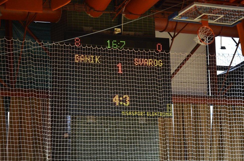 Baník Chomutov (zelení) - Svarog Teplice 15:1.