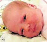 Jmenuji se Mariánka Paterová, narodila jsem se 6. 1.2017 ve 20:40 v žatecké porodnici mamince Gabriele. Doma v Chomutově se na mě těšil tatínek Miroslav Patera a sestřička Rozárka. Měřila jsem 50 cm a vážila 3,33 kg.