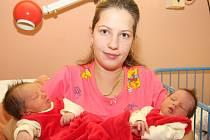 Holčičky Natálka a Štěpánka se narodily mamince Martině Čížové z Chomutova 8.11. 2008 v chomutovské nemocnici. Štěpánka se narodila ve 3.10 hodin, měří 45 centimetrů a váží 3,45 kilogramů. Natálka se narodila o 5 minut později ve 3.15 hodin,měří 49 centim