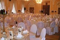 Rytířský sál naparáděný pro gala večeři ministrů dopravy EU.