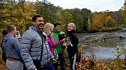 Na výlov se přišel podívat jirkovský starosta Radek Štejnar s rodinou.