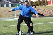 SK Málkov - Sokol Březno 0:1,hráči Sokola Březno v zeleném