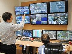 Současný velín jirkovské městské policie už kapacitou nestačí