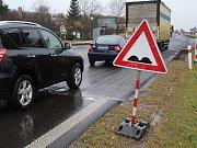 Opravy na silnici I/13 v Málkově zpomalují dopravu