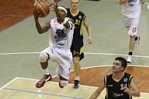 Ze zápasu Levharti Chomutov - Opava.