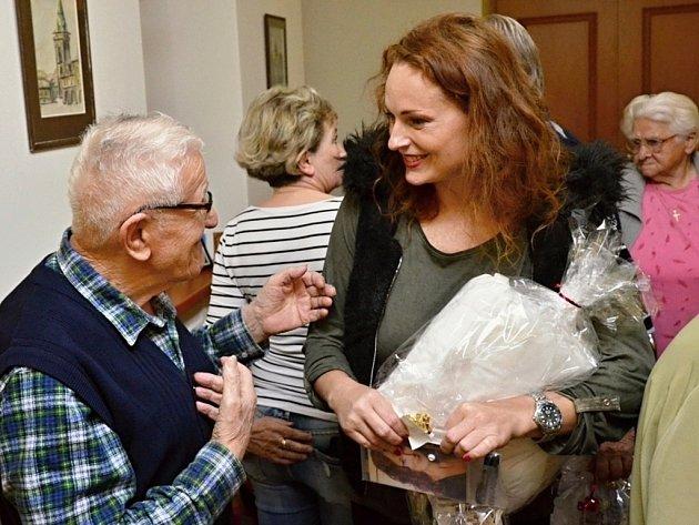 Setkání kadaňských seniorů soblíbenými herci