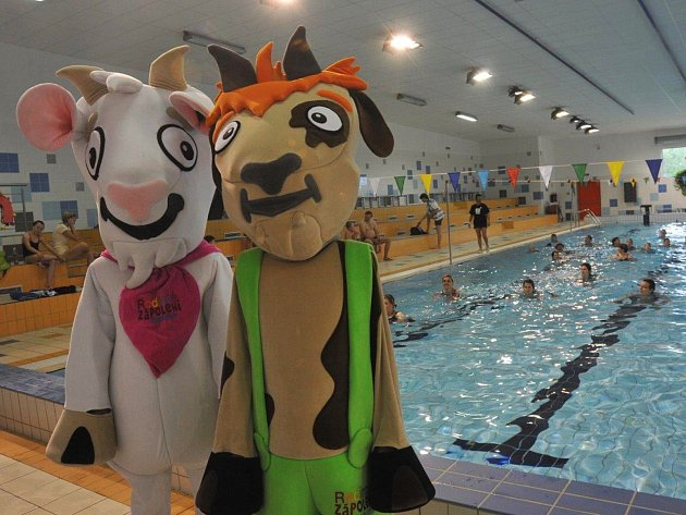 Koza Róza a Rozmarýnek už čekají na první soutěžící, letos v pořadí čtvrtý ročník Rodinného zápolení odstartují vodní disciplíny.