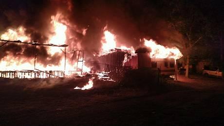 Požár v autokempu u Kadaně.